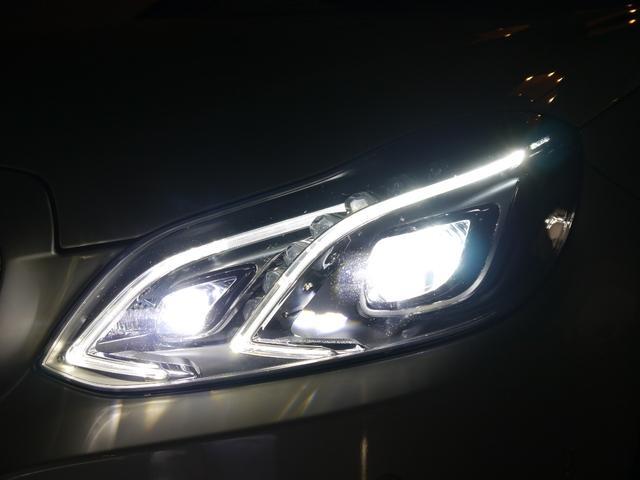 視認性に優れ広範囲を照射可能なLEDヘッドライト搭載し夜間走行時も安心してお乗り頂けます!インテリジェントライトシステムやアダプティブハイビームアシストなど充実したライティングシステムです!!