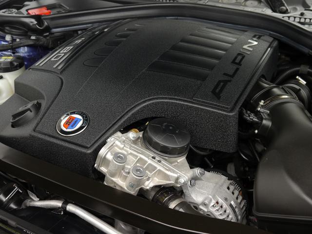 カタログ値410馬力を誇る3,000CC 直列6気筒DOHCツインターボチャージャー搭載エンジン!鋭いレスポンスとハイパワーを誇り俊敏な走りを実現します!