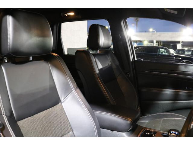 上質なブラックレザーシート!全席シートヒーターを装備しております!運転席と助手席にはシートエアコンも装備されてます!オールシーズン快適なドライブをお楽しみいただけます!