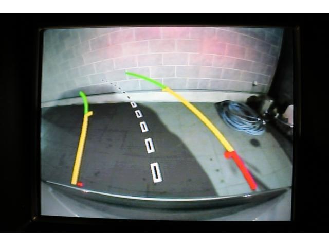 ガイドライン付バックビューモニターを装備!車体後方の視界確保もしっかりサポートしてくれます!狭い路地での駐車や車庫入れ時に安心して操作が可能です!