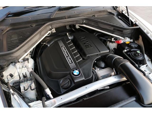 心臓部にはカタログ値306馬力を発生させる3,000CC 直列6気筒DOHCターボエンジン搭載!力強く、心地良いドライブをお楽しみいただけます。