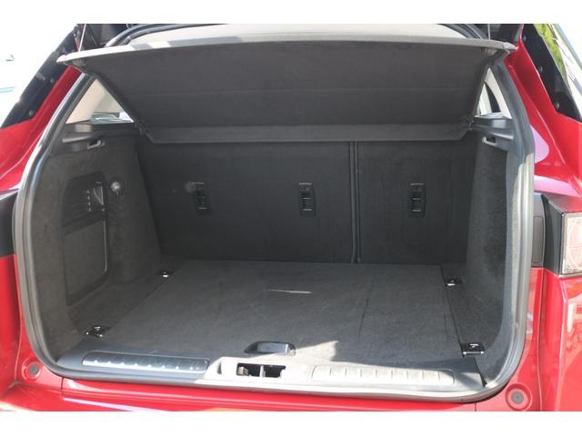 高さ、横幅共に広々としたSUVモデルならではのラゲッジスペース!間口も広くゴルフバッグやスーツケース等の大きな荷物も楽々収納可能となっております!!