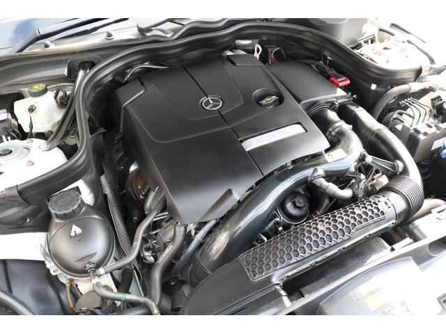 心臓部には2,000cc 直列4気筒DOHCエンジンを搭載し、カタログ値211馬力を発生させます!環境性能にも優れ燃費効率を向上させるECOスタート&ストップ機能を搭載!