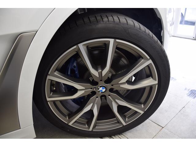 ホイールの状態もとても綺麗です。タイヤの溝もしっかりと残っております!