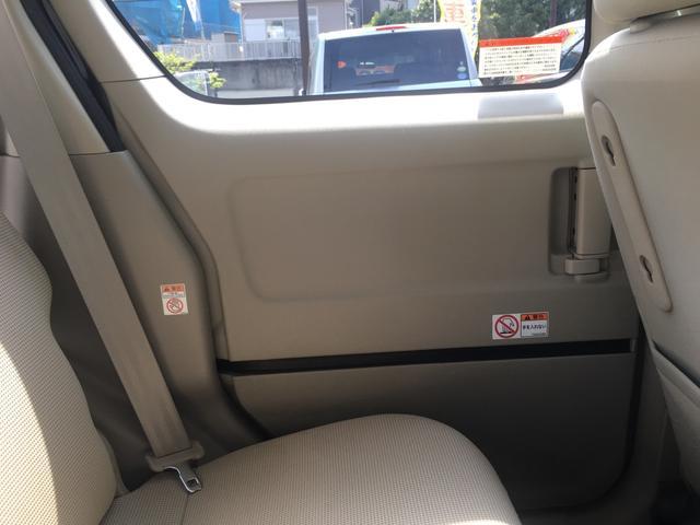 各ドアパネルの写真です! ドアハンドル周りやスピーカー周りなどももちろんクリーニングを行っております!!