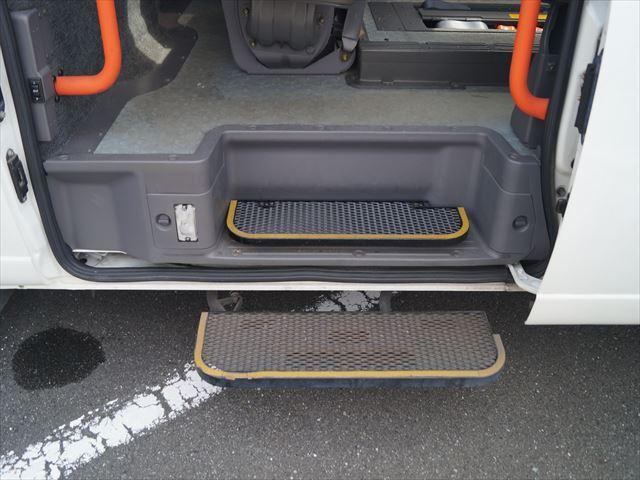 福祉車両電動チェアキャブ車椅子移動車2台積(16枚目)