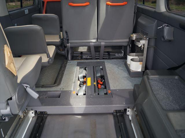 福祉車両電動チェアキャブ車椅子移動車2台積(24枚目)