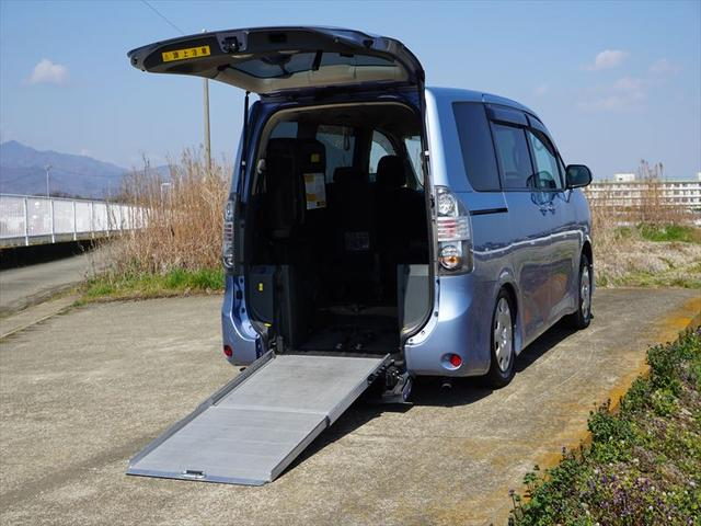 X Lエディション 車椅子仕様車 スローパー サードシート付(68枚目)
