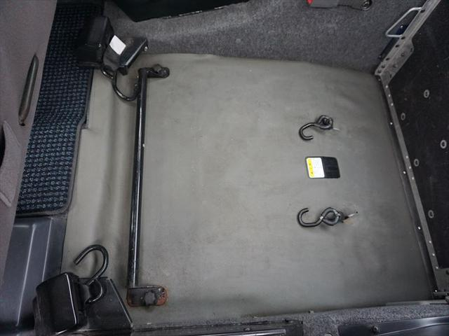福祉車両 車いす移動車 4人乗り電動固定式(18枚目)