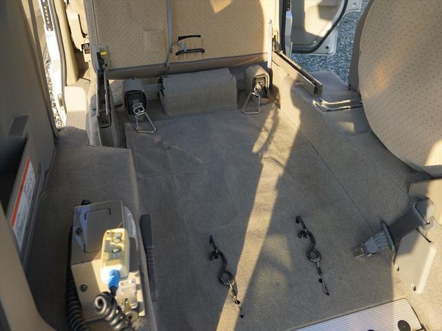 車いす移動車4WDシートヒーター リヤヒーター4人乗モコン付(63枚目)