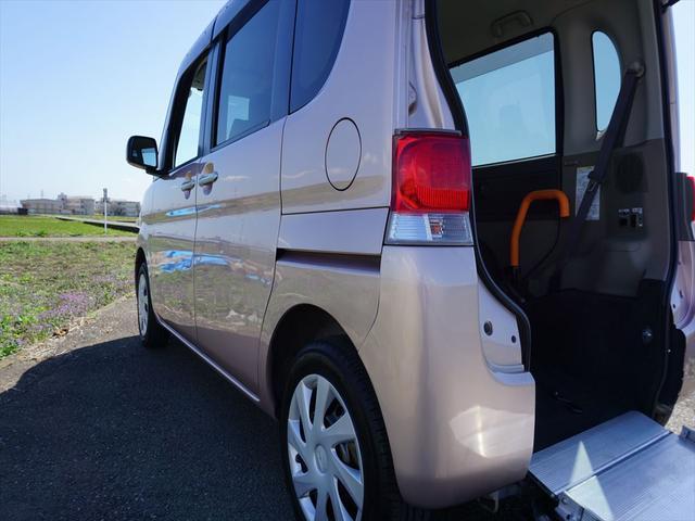 4人乗りリヤシート付きスローパー禁煙車純正ナビバックカメラ(29枚目)
