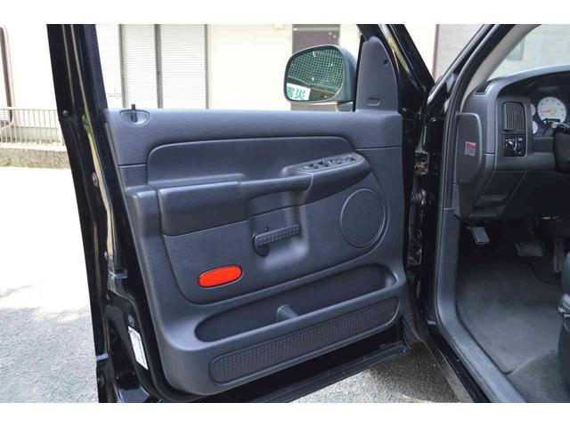 「ダッジ」「ラムバン」「SUV・クロカン」「神奈川県」の中古車59