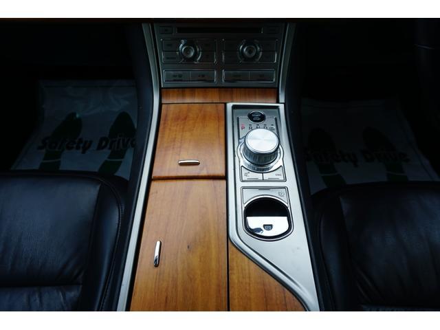 3.0ラグジュアリー 黒革 ナビ ディーラー車(19枚目)