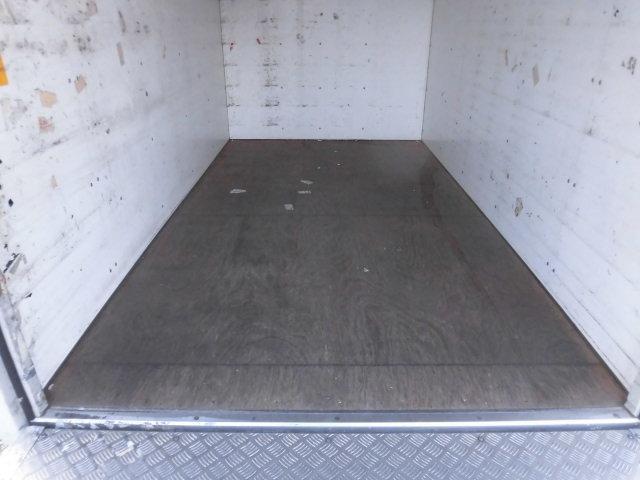 1.35t積 低床パネルバン 2.0LPG車 バックモニター(11枚目)