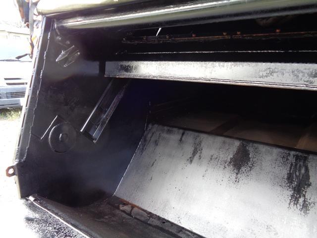 2t積 極東製プレスパッカー車4.2立米 4.0Lディーゼル フロア5速MT 連続スイッチ付 型式KK NOxPM適合(12枚目)