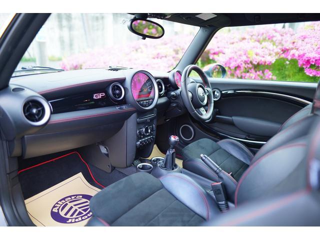 ジョンクーパーワークスGP 世界限定2000台 日本200台限定車 クラッチ交換済み 専用RECAROシート シートヒーター(71枚目)