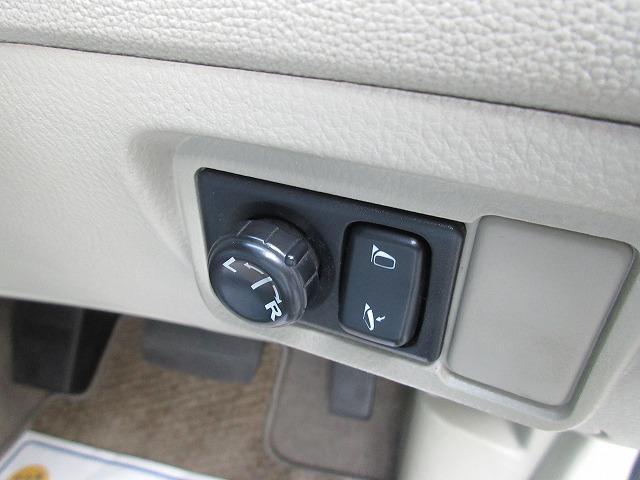 ワンオーナー禁煙車4WD ナビ Bカメラ ETC キーレス(18枚目)