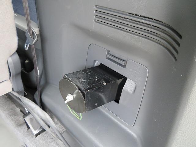 スローパー車イス移動車 リヤシート付き 電動固定装置 禁煙 取説&記録簿 無料保証6ヶ月&走行距離無制限(21枚目)