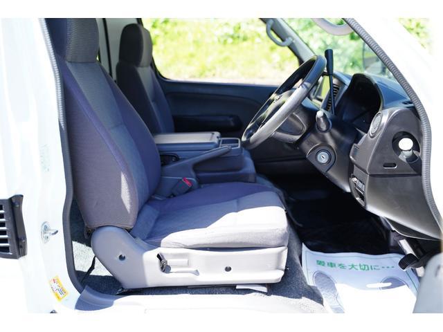 ロングDX ガソリン/2.000cc/5速AT/6人乗/両側スライドドア/スライドサイドウィンドウ/純正キーレス/日産純正ナビMS110-A/地デジ/ルーフキャリア/運転席パワーウィンドウ/運転席エアーバック(68枚目)