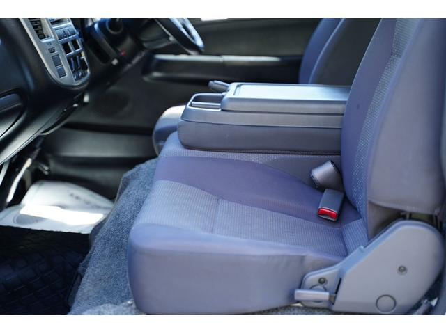 ロングDX ガソリン/2.000cc/5速AT/6人乗/両側スライドドア/スライドサイドウィンドウ/純正キーレス/日産純正ナビMS110-A/地デジ/ルーフキャリア/運転席パワーウィンドウ/運転席エアーバック(71枚目)