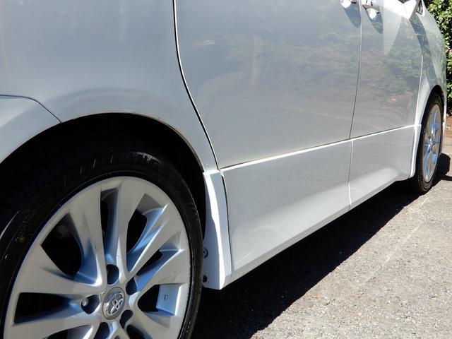 右タイヤハウス、ドアパネル、塗装跡有り。