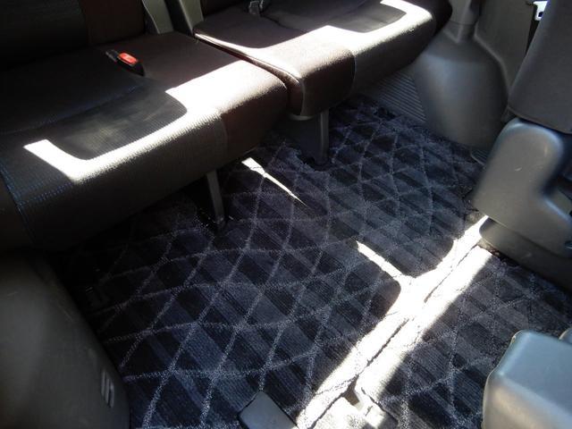 使用感の少ない車内の程度の良さが伝わりますでしょうか・・・仕上げ済みです。