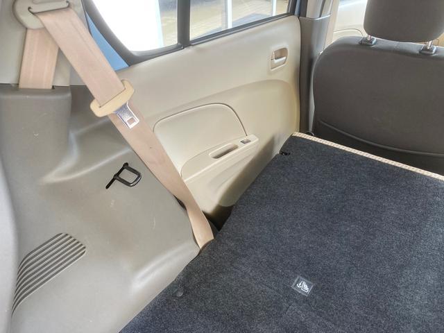 ☆リヤシートを前に倒せばフラットになりますので大きな荷物を積む事も可能です。☆走行距離の少ない軽自動車を扱う軽自動車専門店です。☆お気軽に御連絡下さい 0066-9704-8206