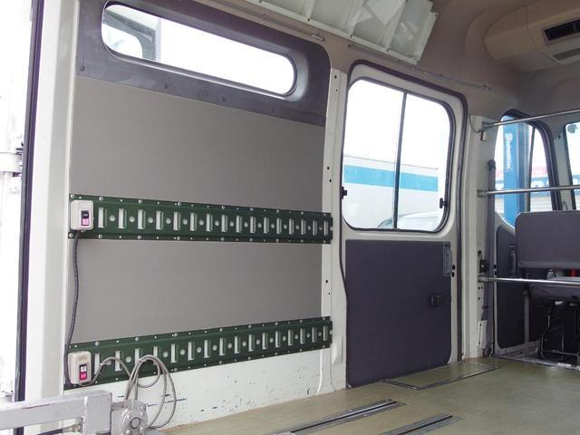 NKL昇降リフト付き ラッシングレール2段 コラム5速(15枚目)
