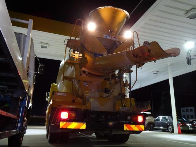 ミキサー車 カヤバMR45 積載10,860Kg 8.9立米(10枚目)