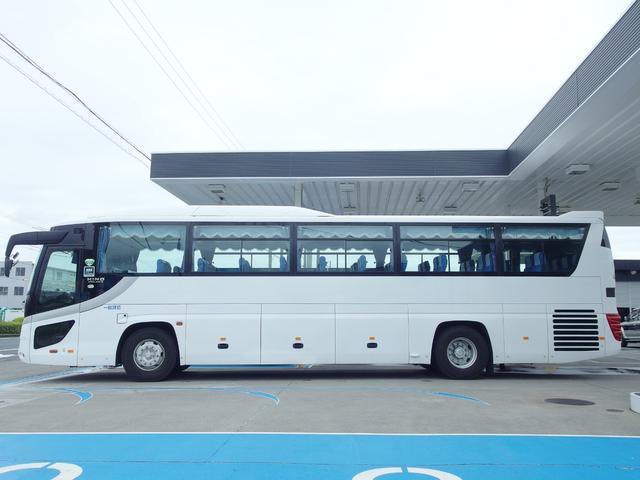 初度登録年月:平成21年3月 車輌重量12,730Kg 車輌総重量15,755Kg 大型観光バス