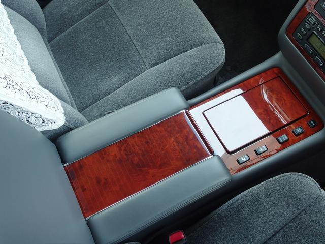「トヨタ」「センチュリー」「セダン」「静岡県」の中古車66