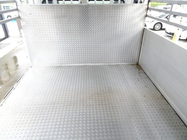 荷台床材 アルミ縞鋼板