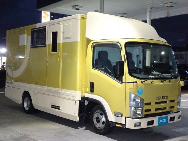 移動販売車 キッチンカー 加工車登録 跳ね上げ扉 シンク 作業台 カウンター外テーブル 車輌総重量3,685Kg スムーサー 2ペダル NOx・PM適合 フードトラック ケータリングカー(9枚目)