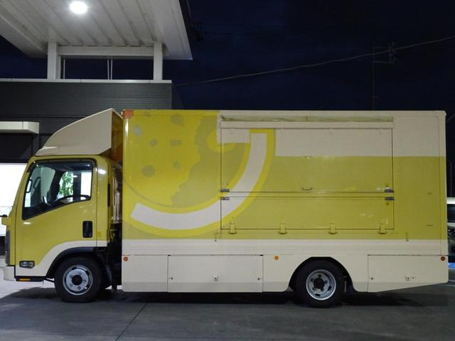 移動販売車 キッチンカー 加工車登録 跳ね上げ扉 シンク 作業台 カウンター外テーブル 車輌総重量3,685Kg スムーサー 2ペダル NOx・PM適合 フードトラック ケータリングカー(11枚目)