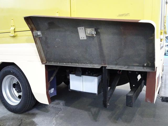 移動販売車 キッチンカー 加工車登録 跳ね上げ扉 シンク 作業台 カウンター外テーブル 車輌総重量3,685Kg スムーサー 2ペダル NOx・PM適合 フードトラック ケータリングカー(21枚目)
