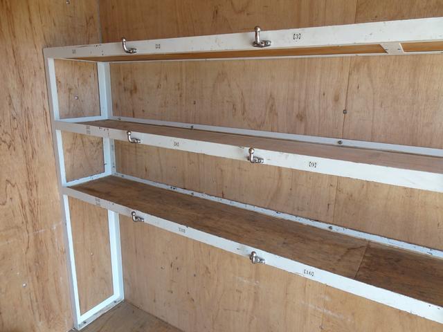 パートタイム4WD 垂直パワーゲート ゲート能力600Kg 左サイドスライドドア ディーゼルターボ 積載1.3t 車両総重量4,945Kg 5MT・3ペダル NOx・PM適合 実走行 整備記録簿有り(47枚目)