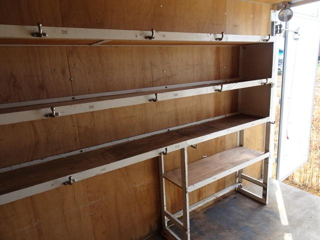 パートタイム4WD 垂直パワーゲート ゲート能力600Kg 左サイドスライドドア ディーゼルターボ 積載1.3t 車両総重量4,945Kg 5MT・3ペダル NOx・PM適合 実走行 整備記録簿有り(48枚目)