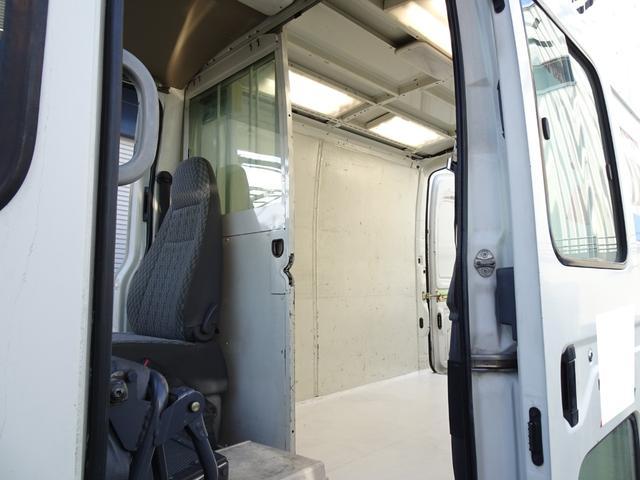 DX ウォークスルーバン フルタイム4WD 積載1.25t コラム5速 タイベル交換済み ディーゼル 原動機5L 車両総重量3,530Kg NOx・PM適合 移動販売車 キッチンカー キャンピング ベース車(30枚目)