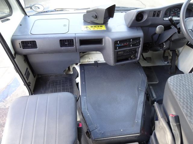 DX ウォークスルーバン フルタイム4WD 積載1.25t コラム5速 タイベル交換済み ディーゼル 原動機5L 車両総重量3,530Kg NOx・PM適合 移動販売車 キッチンカー キャンピング ベース車(43枚目)