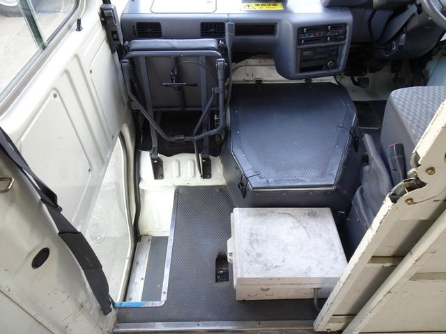 DX ウォークスルーバン フルタイム4WD 積載1.25t コラム5速 タイベル交換済み ディーゼル 原動機5L 車両総重量3,530Kg NOx・PM適合 移動販売車 キッチンカー キャンピング ベース車(45枚目)