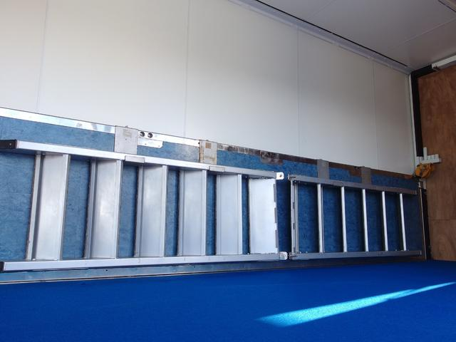 ステージ用 昇降階段収納時