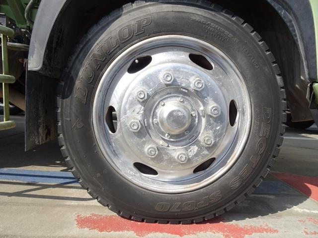 タイヤサイズ:265/60R22.5
