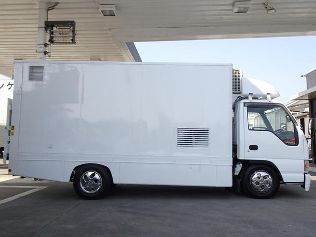 荷台発電機搭載 パネルバン 新明和すいちょくゲート 最大昇降荷重600Kg 左サイドドア 荷台エアコン・換気扇 実走行 荷台床鉄板張り 記録簿有り 5MT・3ペダル NOx・PM適合(13枚目)