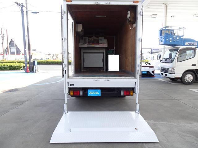 荷台発電機搭載 パネルバン 新明和すいちょくゲート 最大昇降荷重600Kg 左サイドドア 荷台エアコン・換気扇 実走行 荷台床鉄板張り 記録簿有り 5MT・3ペダル NOx・PM適合(22枚目)