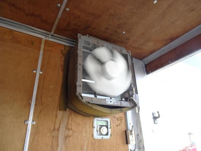 荷台発電機搭載 パネルバン 新明和すいちょくゲート 最大昇降荷重600Kg 左サイドドア 荷台エアコン・換気扇 実走行 荷台床鉄板張り 記録簿有り 5MT・3ペダル NOx・PM適合(29枚目)
