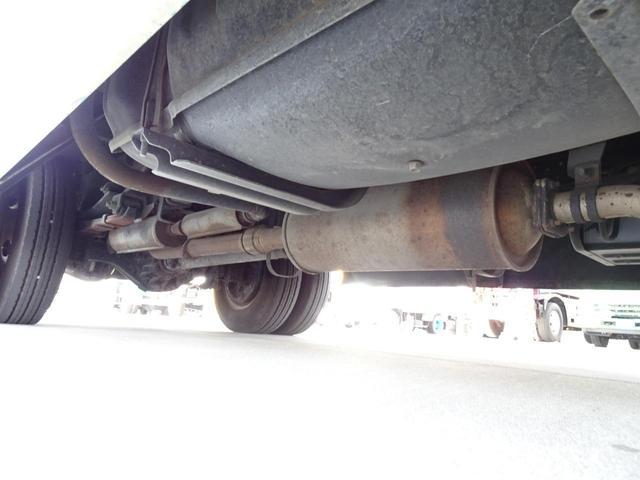 荷台発電機搭載 パネルバン 新明和すいちょくゲート 最大昇降荷重600Kg 左サイドドア 荷台エアコン・換気扇 実走行 荷台床鉄板張り 記録簿有り 5MT・3ペダル NOx・PM適合(41枚目)