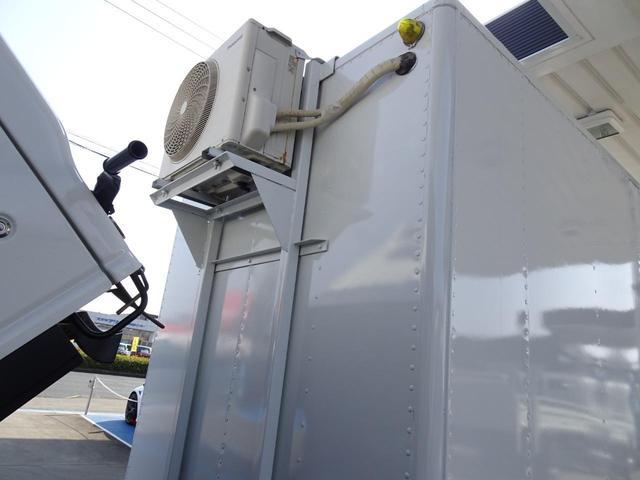 荷台発電機搭載 パネルバン 新明和すいちょくゲート 最大昇降荷重600Kg 左サイドドア 荷台エアコン・換気扇 実走行 荷台床鉄板張り 記録簿有り 5MT・3ペダル NOx・PM適合(42枚目)
