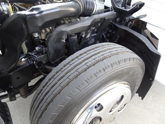 荷台発電機搭載 パネルバン 新明和すいちょくゲート 最大昇降荷重600Kg 左サイドドア 荷台エアコン・換気扇 実走行 荷台床鉄板張り 記録簿有り 5MT・3ペダル NOx・PM適合(44枚目)
