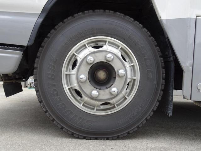 スタッドレスタイヤ 225/80R17.5 リアダブルタイヤ