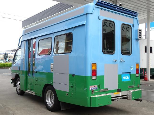 車両重量:4,640Kg 車両総重量:4,805Kg NOx・PM適合 5MT・3ペダル